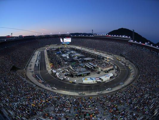 USP NASCAR: BASS PRO SHOPS NRA NIGHT RACE S NAS USA TN