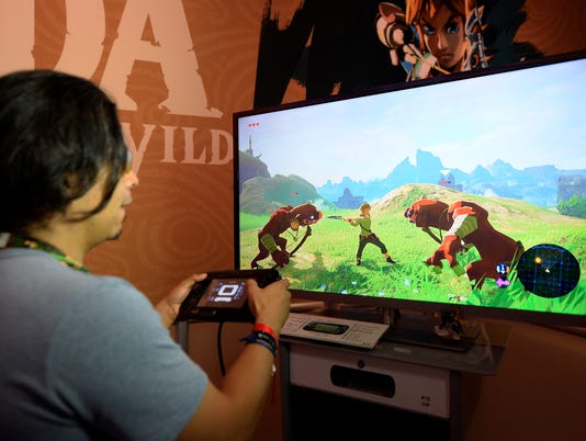 In World of Warcraft vs. Snapchat, higher test scores go to gamers