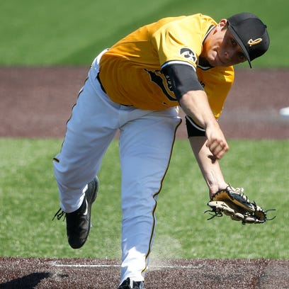 Hawkeyes 'at a crossroads' after Sunday drubbing versus Rutgers