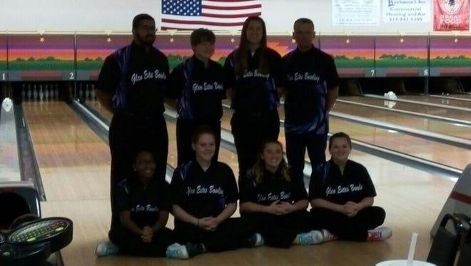 The Glen Este bowling team.