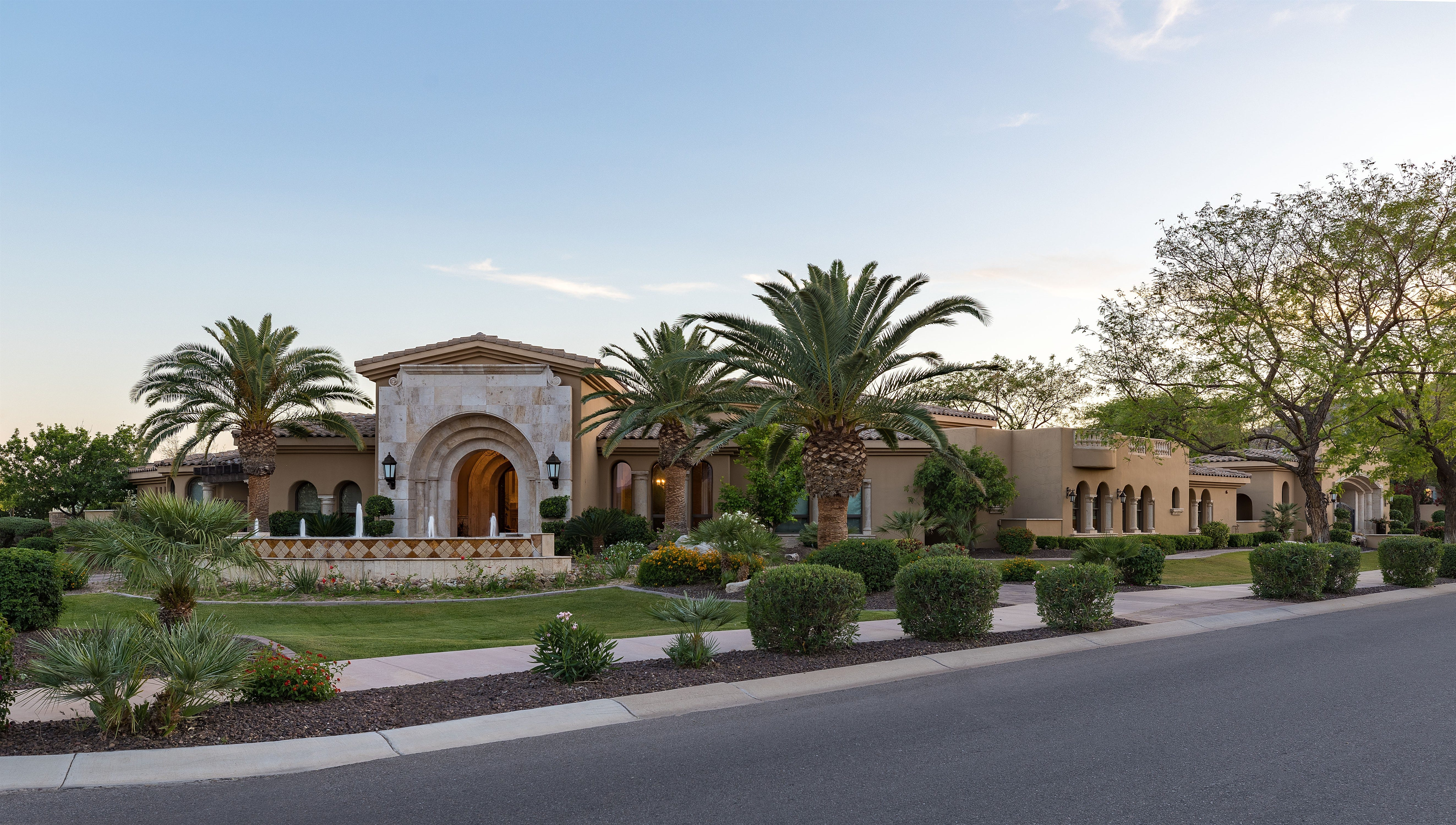 Paradise Valley mansion has massive, 10-seat family theater