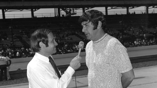 Jim McKay and Joe Leonard cover the 1971 Indianapolis 500 for ABC Sports.