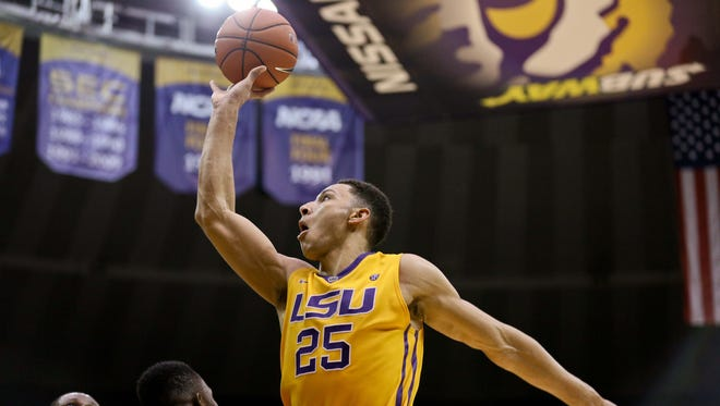 LSU forward Ben Simmons (25) shoots against the Arkansas Razorbacks on Saturday in Baton Rouge.