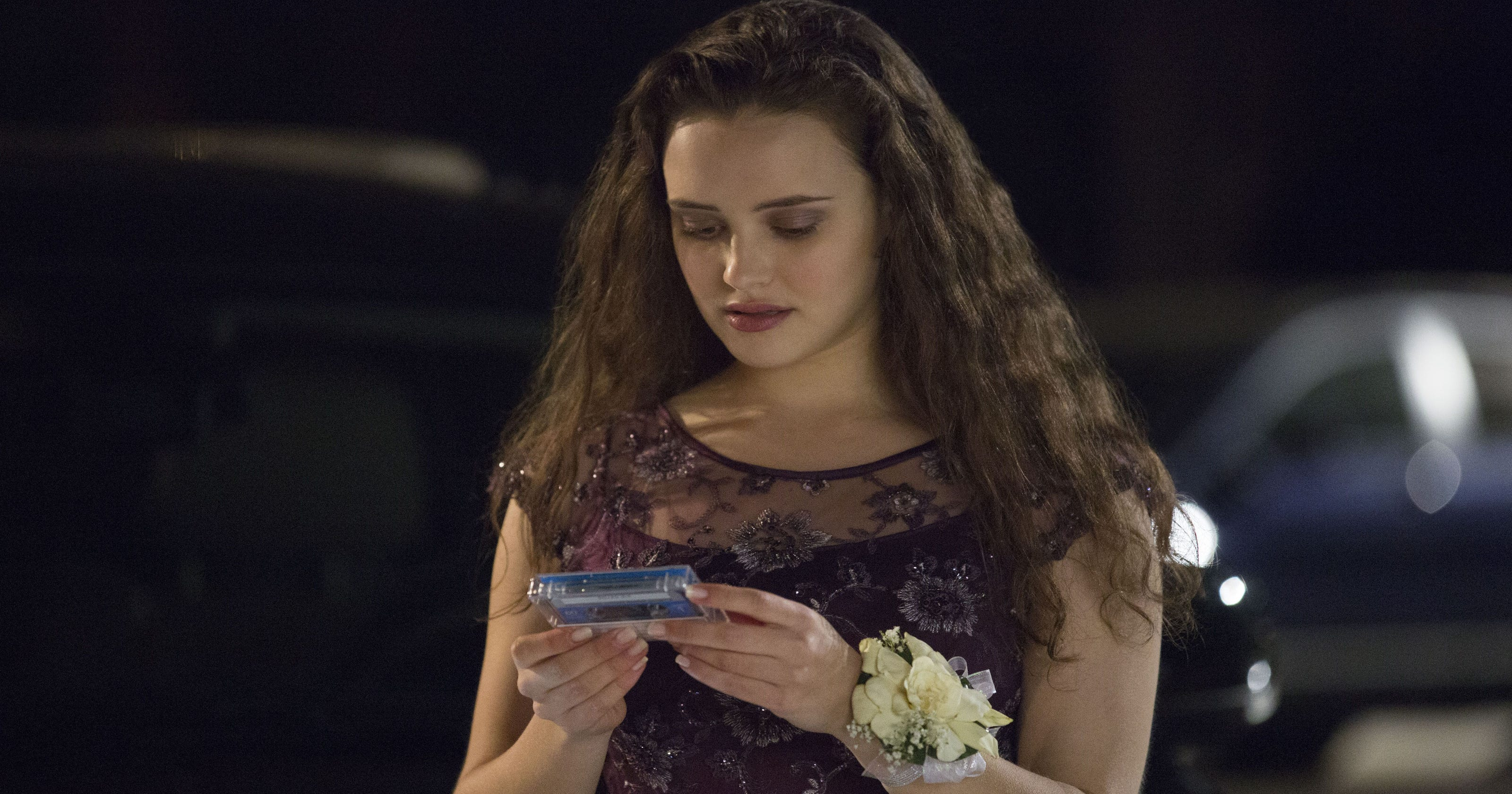 13 Reasons Why' character explains how cutting isn't suicidal