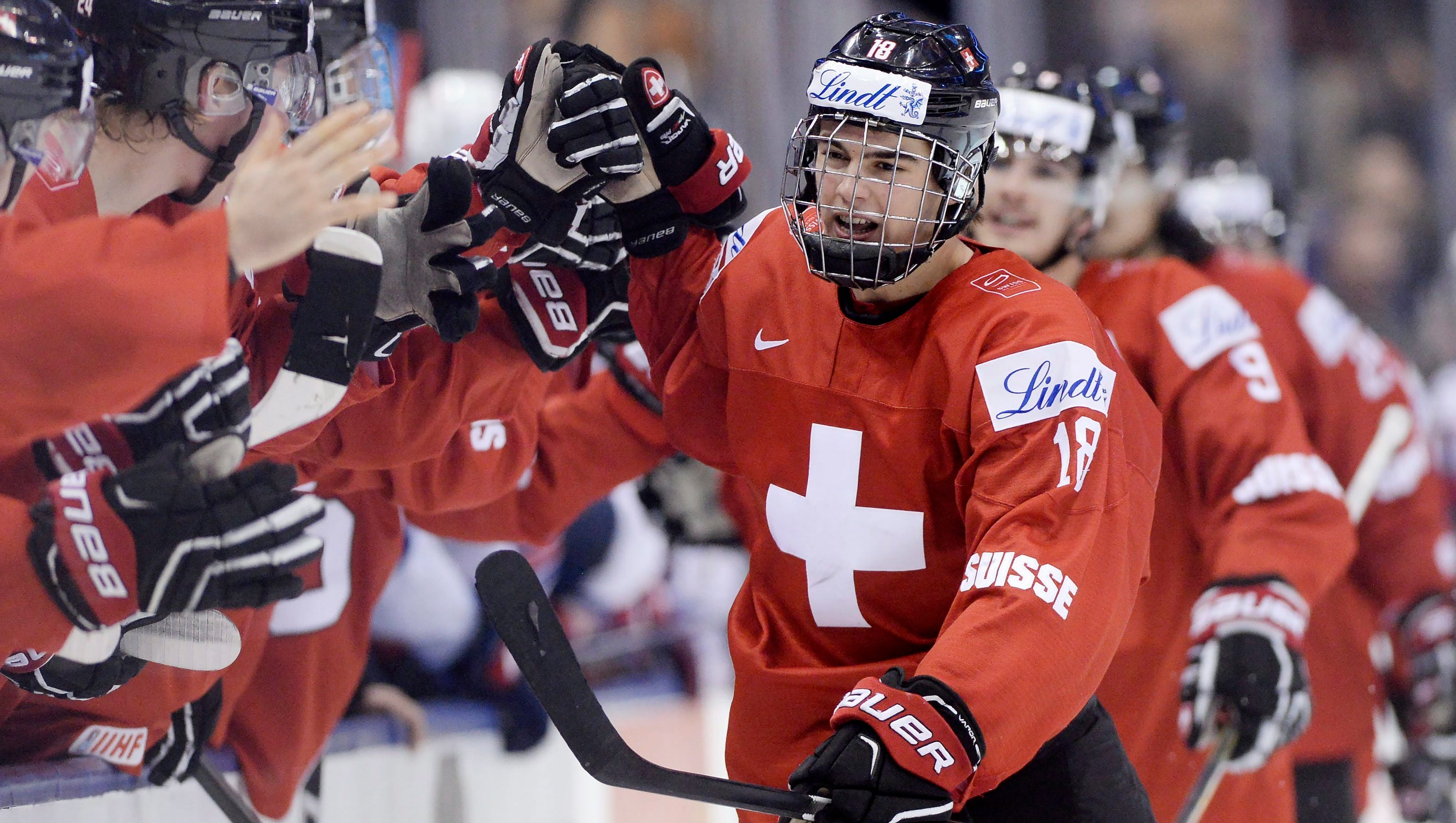 636208400038072214-ap-world-junior-switzerland-united-states-hockey