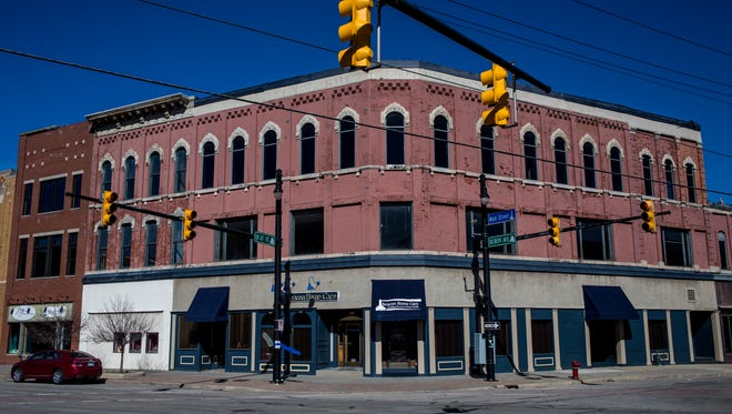 19 new lofts are being constructed at the corner of Huron Avenue and Quay Street, and a new Jimmy John's Gourmet Sandwiches will open in June on street level at 208 Huron Ave.