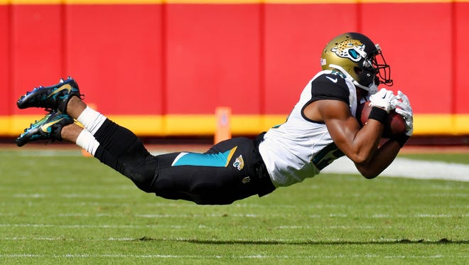 Jacksonville Jaguars wide receiver Allen Robinson catches a first-down against the Kansas City Chiefs on Nov. 6, 2016, in Kansas City, Mo.