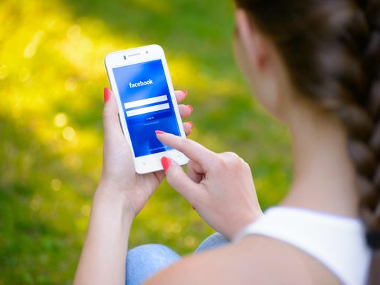 Commentary: Limiting social media to 10 minutes a day can improve mental health
