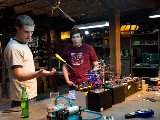 Film Review-Project Almanac (2)