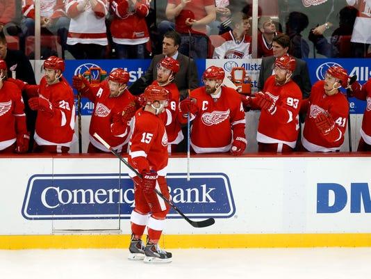 635518497778811827-AP-Canadiens-Red-Wings-Hocke