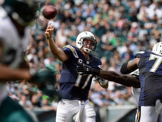 2013-09-15-philip-rivers-chargers-eagles