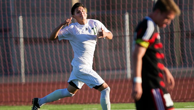 Phoenix Alhambra remains undefeated and in the top spot of azcentral sports' latest soccer rankings.