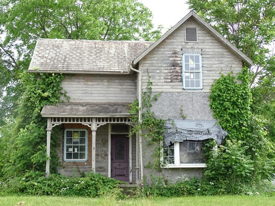 The city's finance committee discussed Thursday the possible demolition of 10 Bucyrus homes, including this one at 129 West Irving St.