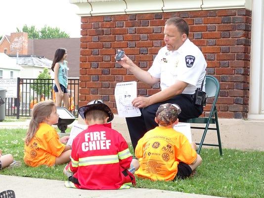 Teaching kids to call 911 #filephoto #stock