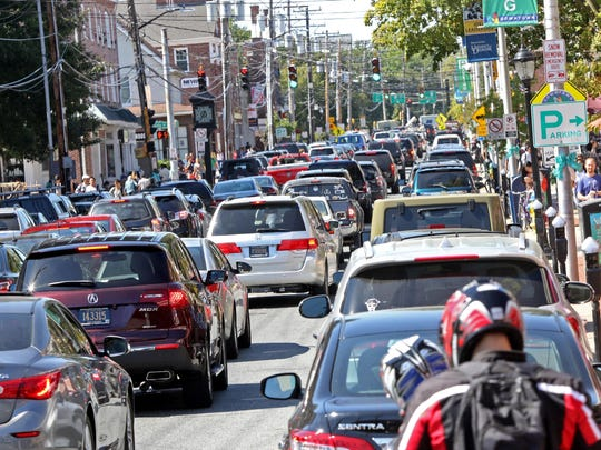 Traffic backs up along Main Street in Newark. Transportation