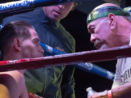 Rubén Villa IV, por decisión unánime, es el campeón del peso pluma juvenil de la Organización Mundial de Boxeo (WBO).