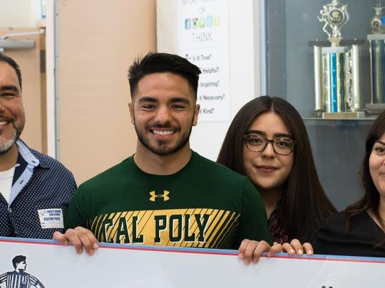 Recibirá $20,000 dólares en una beca de cuatro años, a medida que avance en sus estudios en Cal Poly de San Luis Obispo.