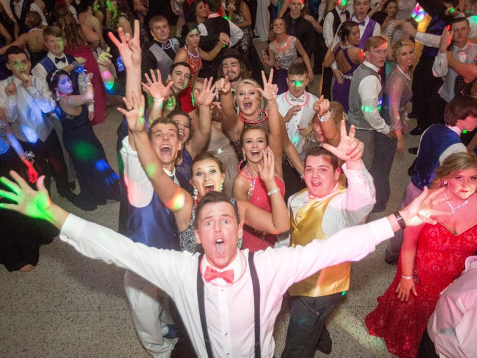 Wapahani students dance the night away at prom Saturday