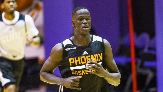 Thon Maker, a forward from Athlete Institute, works out for the Phoenix Suns on the practice court at Talking Stick Resort Arena in Phoenix, Monday, May 30, 2016, Memorial Day.