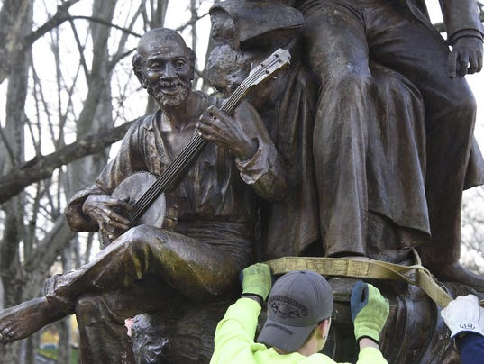 Songwriter Statue Removed