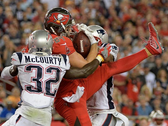 Tampa Bay Buccaneers tight end Cameron Brate catches