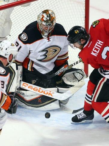 Anaheim Ducks goalie Frederik Andersen (31) defends