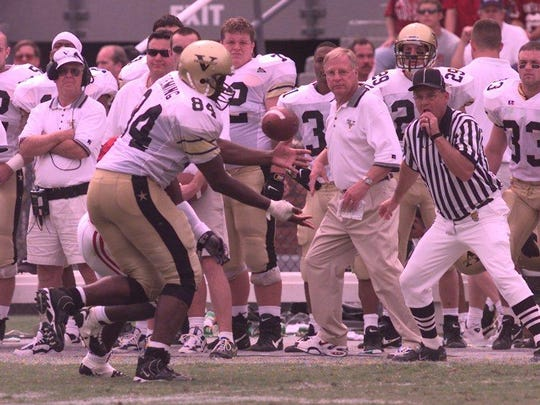 Vanderbilt tight end O.J. Fleming makes a catch against Alabama at Legion Field on Sept. 12, 1998.