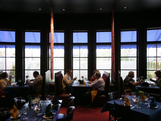 Diners at Tre Monti Ristorante in Troy, Mich., on Thursday,