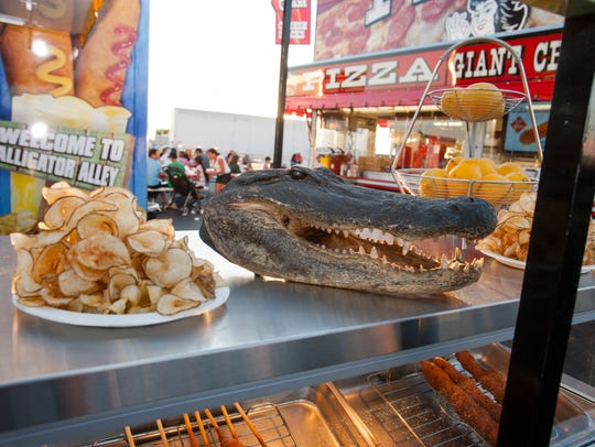 Gator head and ribbon fries