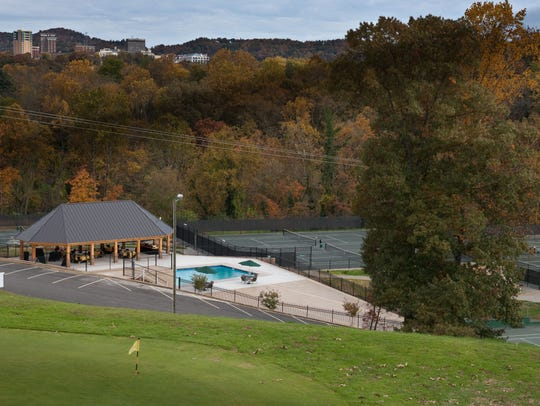 Crowne Plaza Tennis and Golf Resort, 1 Resort Drive