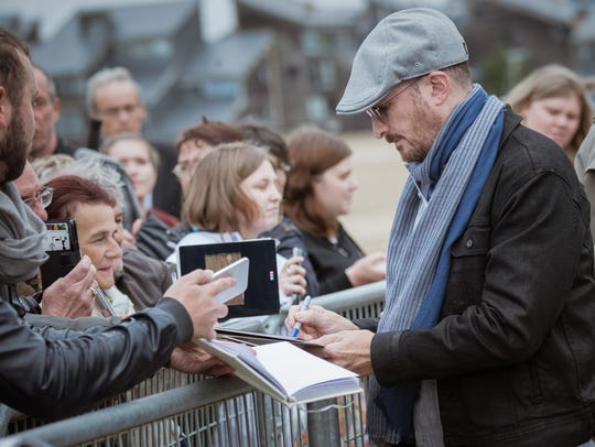 When the director is a star: Darren Aronofsky signs