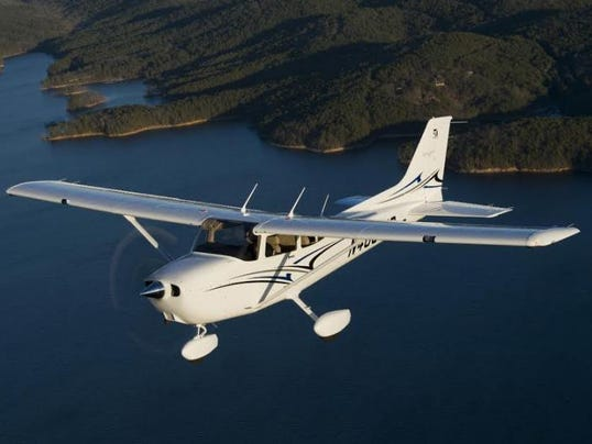 Cessna-Skyhawk.jpeg
