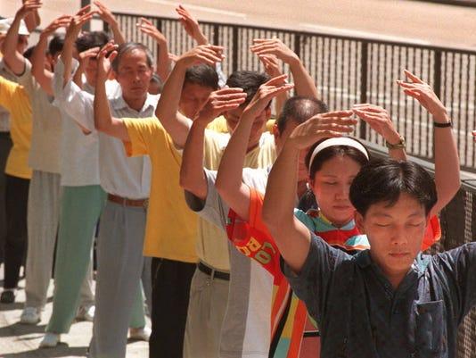 636301252395268550-FalunGong.JPG