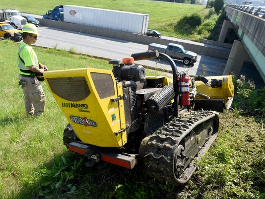 1-YDR-JP-080417-lawn-mower