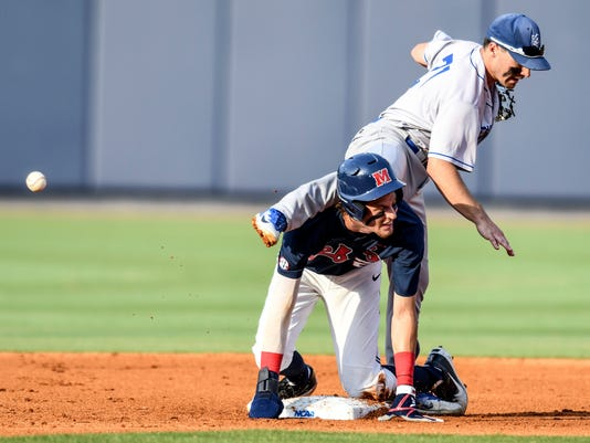 NCAA_Saint_Louis_Mississippi_Baseball_33300.jpg