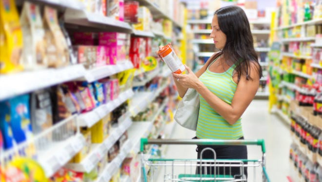 Companies could voluntarily put a government-approved label on their products informing consumers they are free of genetically modified ingredients under a measure proposed by House lawmakers Wednesday.