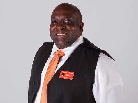 Derrick Donnell (2016), School Board District 7 candidate.