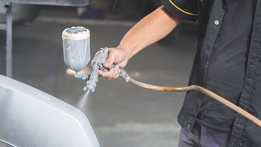 Auto body repair series : Spraying paint