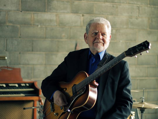 Jazz guitarist Ron English performs Saturday at Trinosophes
