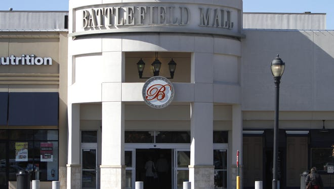 Hey Answer Man!  The U.S. flag and Missouri state flag recently disappeared at the Battlefield Mall. What happened to them?