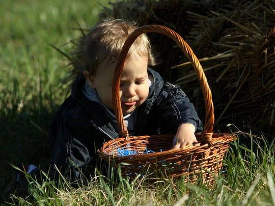 EASTER ON FARM