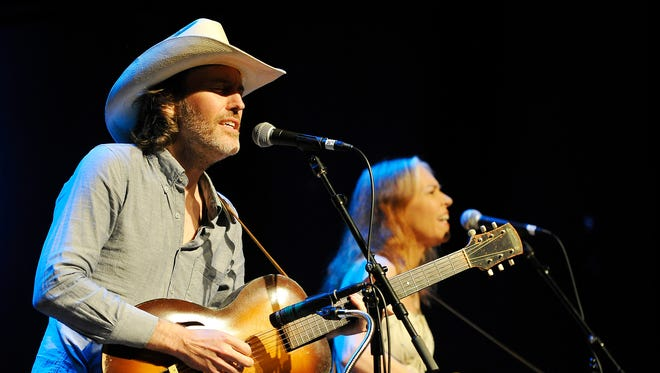 Gillian Welch and her musical partner, guitarist David Rawlings, perform at the Franklin Theatre on Aug. 11, 2015.