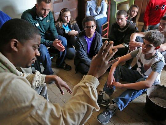 History interpreter Daniel Martin speaks to Northwestern