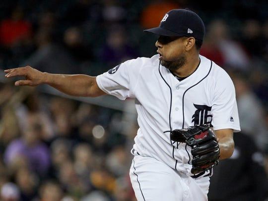 Jun 6, 2017; Detroit, MI, USA; Tigers relief pitcher