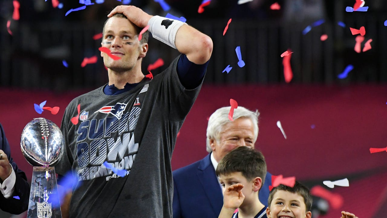 USA TODAY Sports' Lindsay Jones breaks down how the Patriots managed to pull off a comeback for the ages in Super Bowl LI.