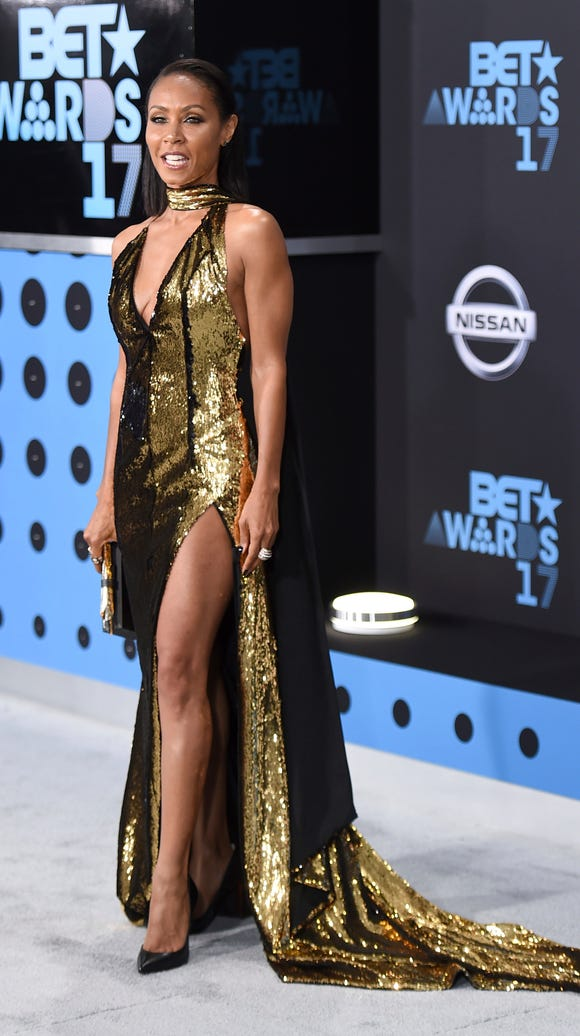 Jada Pinkett Smith worked a thigh-high slit.