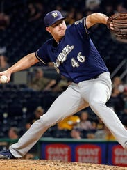 Corey Knebel delivers apitch in the ninth inning against