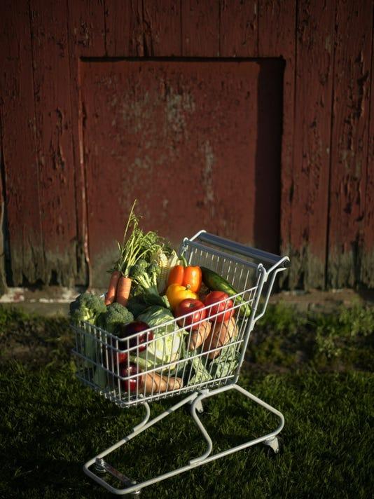 635923487480529491-produce-052203-cart-al.jpg
