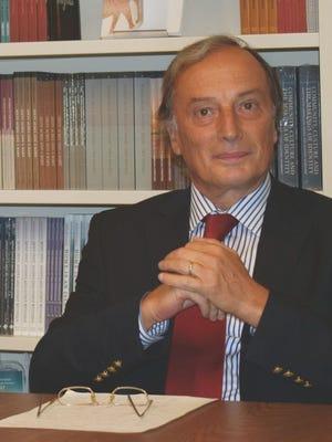 Luís Andrade, professor catedrático de Ciência Política e Relações Internacionais da Universidade dos Açores.
