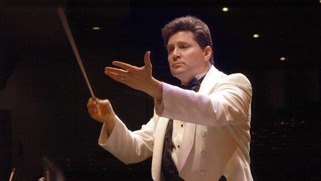 Andrew Kurtz founded and directs Gulf Coast Symphony